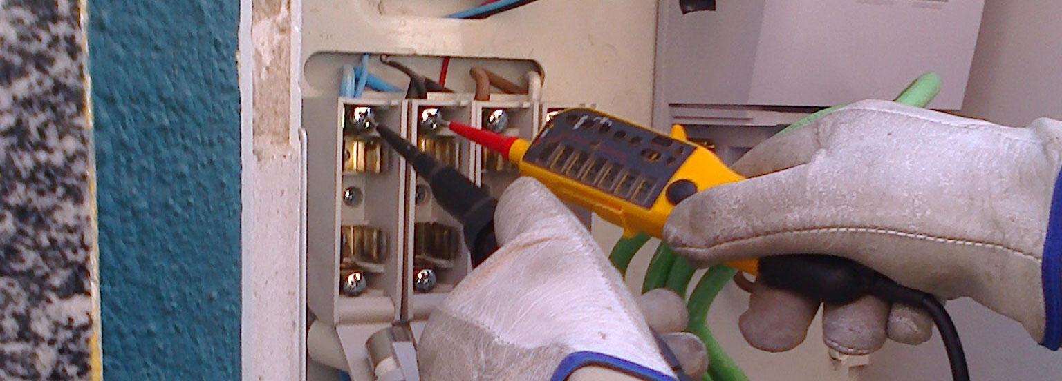 Reparación de averías eléctricas - Villa Flores Martín