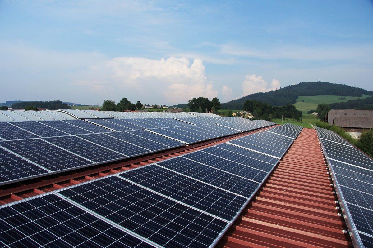 ¿Cuáles son las ventajas del autoconsumo fotovoltaico para las empresas? - Villa Flores Martín