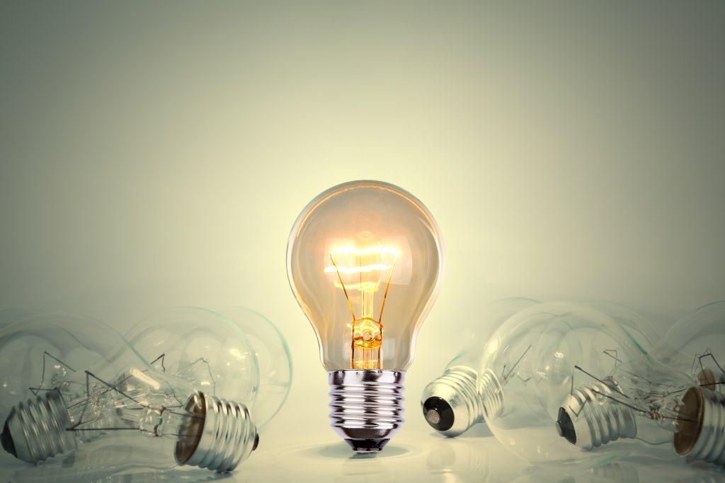 Cuál es la diferencia entre kW y kVA