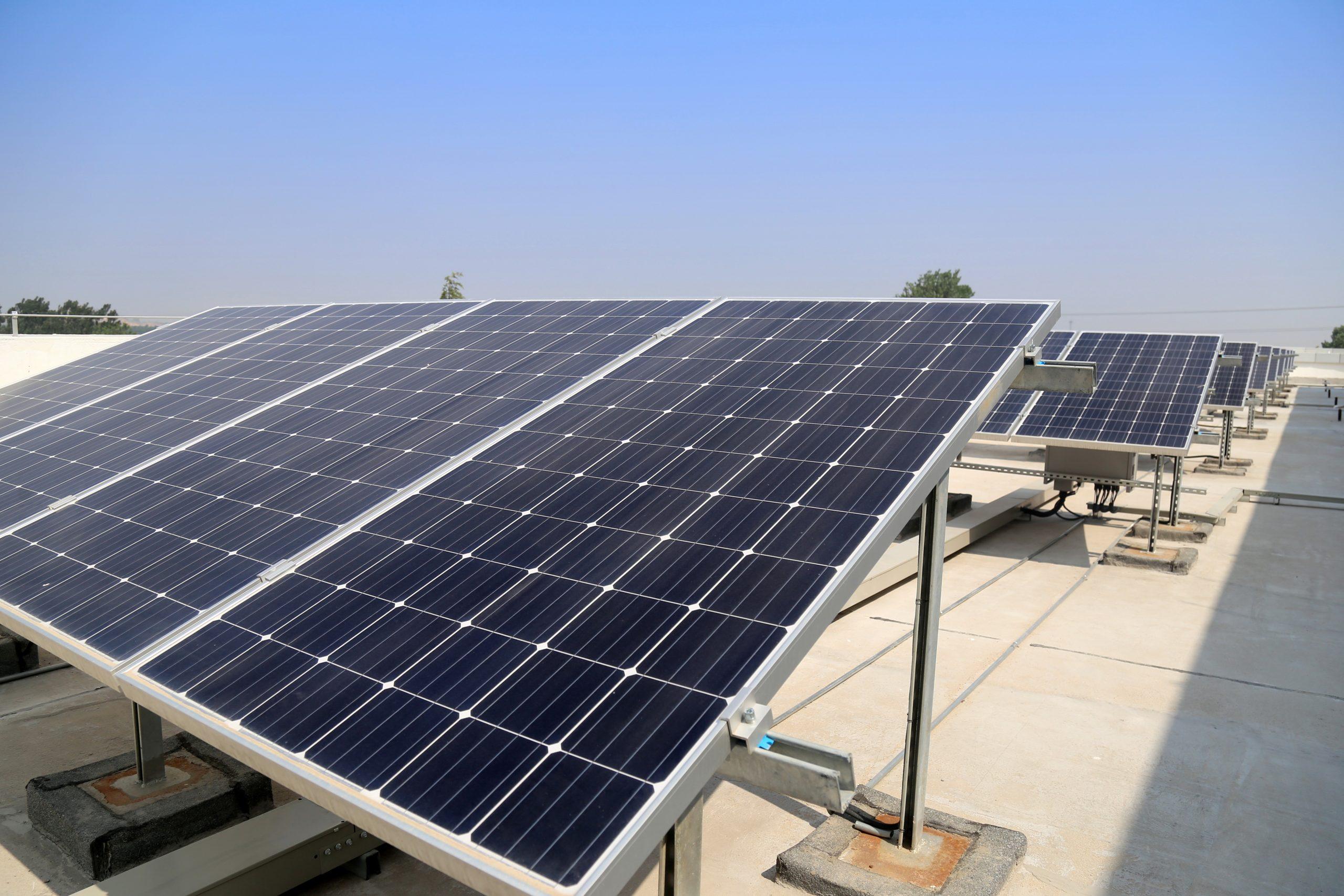 ¿Es rentable el autoconsumo solar fotovoltaico para industrias? - Villa Flores Martín